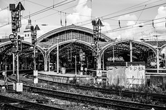 Trainstation (photogo.pl) Tags: köln cologne love trainstation bw blackandwhite transport train