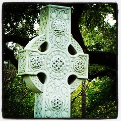Celtic Cross (   giamarie  ) Tags: cemetery square cross lofi houston squareformat celtic celticcross glenwoodcemetery instagramapp uploaded:by=instagram