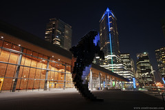 Vancouver at night (Zorro1968) Tags: art night vancouver downtown conventioncenter douglascoupland digitalorca