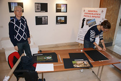 "allestimento della mostra fotografica ""Fiuta il rifiuto"" • <a style=""font-size:0.8em;"" href=""http://www.flickr.com/photos/68353010@N08/8131336735/"" target=""_blank"">View on Flickr</a>"