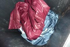Raintrouser and raincoat (Seteg) Tags: trash gummi agu raincoat müll afvalbak trashed raincoats afval rainsuit regenjacke müllsack regenjassen regenmantel regnfrakke regenjas regenanzug regnfrakk regnjakke gummimantel regenpak regenbekleidung gummiregenmantel afvalzak agusport