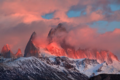 Monte Fitz Roy (Helminadia Ranford) Tags: travel mountain nature argentina sunrise landscape day cloudy fitzroy monte alchalten