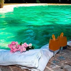 Larea interna del #resort dispone di piscina coperta costruita in pietra dassisi, riscaldata e salata, adiacente alla piscina la vasca idromassaggio con cromoterapia, cascata e soffioni per... http://goo.gl/HgmJfy #luxurylifestyle #luxurytravel #luxuryh (Trovabenessere) Tags: travel love italy hotel spa resort photographer luxury landscape italia holiday design style life charme