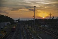 Atardecer en la estacin (Carhove) Tags: sunset vias light luz atardecer luxemburgo
