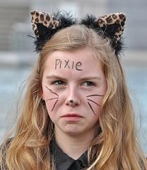 Not A Happy Pixie [Explored #424] (jaykay72) Tags: street uk london candid streetphotography trafalgarsquare londonist stphotographia