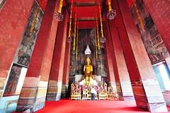 Wat Kalayanamit Bangkok tour_E10962075-028