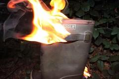 IMG_9930 (sim_hom) Tags: burning wellies