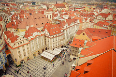 (GaryTumilty) Tags: people architecture buildings rooftops prague praha cobbles oldtownsquare astronomicalclocktower
