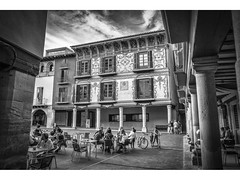 Plaza Mayor (Graus) (pietroalge) Tags: plaza espaa square cafe spain huesca main aragon graus