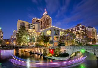 Drury Plaza Hotel & The Riverwalk at Christmas [night]