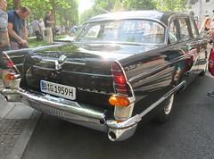 Tschaika GAZ-13 (larssimon) Tags: udssr classicdays kudamm berlin tschaikagaz13
