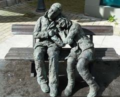 Les Amoureux (CORMA) Tags: 2015 belgique belgium nivelles sculpture michellasnois amoureux