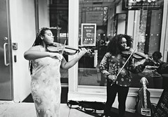 R1-E014 (David Swift Photography Thanks for 18 million view) Tags: davidswiftphotography philadelphia centercityphiladelphia musicians music violin storefronts buskers livemusic 35mm film ilfordxp2 yashicat4 streetphotography candidportrait