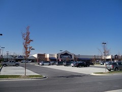 New Lowe's store, in Frederick, Frederick County, Maryland, USA. (sebypires) Tags: county street new city usa building home retail corner shopping square dc washington store big mixed md construction bedroom community cookie metro suburban market box north suburbia fast progress maryland center neighborhood chain warehouse growth commercial use area commuter suburb growing sprawl population stores residential lowes rapid development cutter metropolitan improvement clemson frederick mcmansion suburbanization subdivision urbanization rapidly mcmansions exurban urbanized exurb
