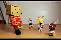 Day 172 - Time for lunch (Shaid || Khan) Tags: danbo danboard revoltech japan canon 600d toy toys figure figur figuren manga germany figurine carton photography pic picture digitalphoto project365 365 yotsuba projekt project amazon photo foto bild eat food raving crazy bunny ravingrabbids hasen hase bunnys lapins crétins lapinscrétins steinzeit stoneage feuer fire spielfigur