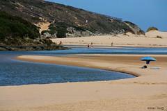 Azul a sul... (hoje também dia mundial da cor azul...) (antoninodias13) Tags: praia portugal azul faro mar algarve oceanoatlântico sul aljezur blueribbonwinner amoreira costavincentina paisagemprotegida fozdaribeira