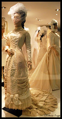 Wedding dress from 1878 (DameBoudicca) Tags: greatbritain inglaterra wedding england museum bride bath britain boda victorian muse angleterre museo weddingdress hochzeit epsom bryllup brud novia inghilterra nozze noces novio brllop weddinggown heirat braut grossbritanien brutigam brautkleid 1878 vestidodenovia robedemarie storbritannien brudklnning abitonuziale fashionmusem lucywoodley lucyletitiawoodley geraldhunnybun lucyhunnybun
