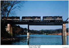 SOU 2510, 2507 & 2505 (Robert W. Thomson) Tags: railroad bridge water train river diesel tennessee clinton railway trains southern locomotive trainengine sr sou emd clinchriver sd24 sixaxle