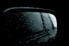Wet Trip (2xG) Tags: car rain mirror lluvia coche