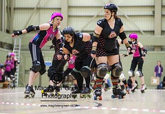 Roller Derby - Dundee Roller Girls versus Severn Roller Torrent - DISC Mains Loan Dundee Scotland (Magdalen Green Photography) Tags: scotland dundee rollergirls disc rollerskating blockers jammers bout 7184 pivots fullcontactrollerderby iaingordon mainsloan severnrollertorrent scottishrollerderby pivotline magdalengreenphotography dundeerollergirls silverytayzers dundeeinernationalsportscentre