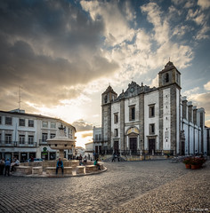 Sunset in Evora (picture 4B) Tags: old sunset sky portugal church clouds town sonnenuntergang kirche himmel wolken unesco altstadt sonne unescoworldheritage sonnenstrahlen evora dorfplatz sonya77 sonya77v distriktvora