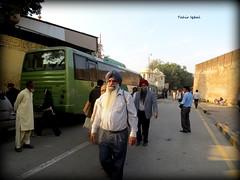 Welcome Sikh Guests To Gurdwara Dera Sahib Lahore (Tahir Iqbal (Over 43,00,000 Visits, Thank You)) Tags: street old pakistan india religious asia indian 1984 warrior turban sikh gurdwara kirtan partition sai amritsar gurudwara sikhism punjabi singh culturefestival khalsa sardar headgear gurus holla sangat kaur sikhi nankanasahib bhagatsingh sikhhistory mohalla partition1947 portraitpunjab