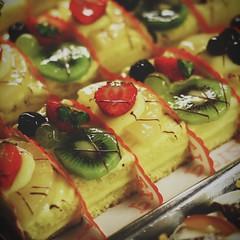 (Alina Zanina) Tags: fruits dessert italia dolce kiwi frutta puglia cibo vico dolci pizzicato fragole gargano vicodelgargano