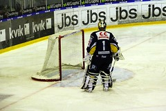 Pisar (Benny Hnersen) Tags: blue ice hockey is herning icehockey skate fox match eis spiel kamp pisar goalkeeper keeper schlittschuh ishockey skjte skjtehal mlmand
