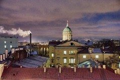 Par dessus les toits (Thierry Andre Pierre) Tags: night stpetersburg russia roofs cupola nuit russie toits sanktpetersburg stpetersbourg kazanskisobor notredamedekazan