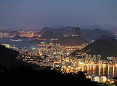 Nocturne Rio (Leonardo Martins) Tags: sea brazil lake rio brasil riodejaneiro night lumix bay mar bresil brasilien clear noturna tropical noite lagoa sugarloaf pãodeaçúcar nocturne morro baía brésil sudeste abigfave