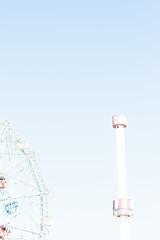 (Kubatzki) Tags: usa newyork coneyisland 50mm sony highkey 18 wonderwheel alpha700