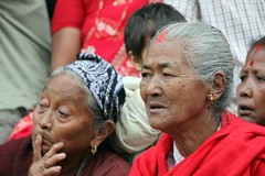 Watching the ceremony - portraits of Nepal (10b travelling) Tags: charity nepal earthquake asia disaster kathmandu himalaya himalayas himalayan 2010 catastrophe nepali thamel southasia durbarsquare peopleset carstentenbrink iptcbasic
