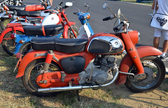 Vintage HONDA (baffalie) Tags: auto mostra cars bike vintage honda italia moto italie epoca clasic imola scambio