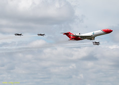 Boeing 727 & The Blades (Kate M Gray) Tags: boeing727 theblades farnboroughairshow2016 aircraft kategray canon planes