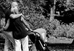 In Love, Cantigny Park.  (EOS) (Mega-Magpie) Tags: canon eos 60d outdoors people person lady man girl woman dude guy bald cantigny park wheaton dupage il illinois usa america bw black white monochrome love