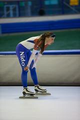 A37W7115 (rieshug 1) Tags: speedskating schaatsen eisschnelllauf skating nkjunioren knsb nkjuniorenallroundafstanden afstanden allround 50010001500massstart demeent alkmaar sportcomplexdemeent juniorenc ladies dames 500m