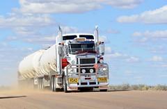 IOR (quarterdeck888) Tags: trucks transport roadtransport haulage lorry class8 tractortrailer overtheroad heavyhaulage australianroadtransport nikon d7100 semitrailer frosty quarterdeck flickr jerilderietrucks jerilderietruckphotos truckphotos australiantruckphotos expressfreight freight roadfreight truck or kenworth c509 squaretanks tridolly fueltanker roadtraintanker