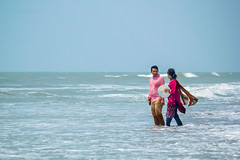 Untitled (Partho_07) Tags: couple beach coxsbazar ocean wave inani bangladesh
