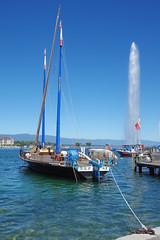 Genve : une barque du Lman (bernarddelefosse) Tags: suisse romandie laclman genve jetdeau
