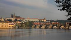 Prague le matin (laurent 297) Tags: karlvmost prague praha pontcharles charlesbridge