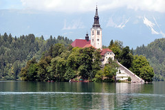 The Church of the Assumption of St. Mary, Lake Bled, Slovenia (suresh_krishna) Tags: church europe slovenia virginmary lakebled churchofassumption