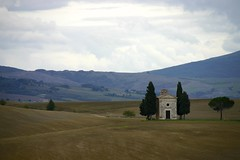 Cappella della Madonna di Vitaleta - San Quirico d'Orcia (Stefano Gambassi) Tags: siena valdorcia cappella orcia vitaleta sanquiricodorcia rememberthatmomentlevel1 rememberthatmomentlevel2 rememberthatmomentlevel3