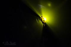 oscillation (Ąиđч) Tags: man andy dark fly flying nikon circo circus andrew acrobat performer volante buio volare benedetti d7000 ąиđч