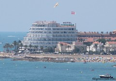 """Sitges-Plane-Advertising-1024x714 • <a style=""""font-size:0.8em;"""" href=""""http://www.flickr.com/photos/90259526@N06/8200918240/"""" target=""""_blank"""">View on Flickr</a>"""