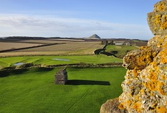 Tantallon Castle Doocot and North Berwick Law (Belhaven2011) Tags: castle field scotland nikon pigeons farmland ramparts fields doves dovecote tantalloncastle eastlothian doocot tantallon 1685 northberwicklaw 1685mm nikond5000 belhaven2011