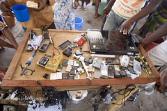 Cellphone use Ghana (Jan Bogaerts Fotografie) Tags: africa west mobile phone telephone cellphone talk cellular communication ghana afrika talking telefon development communications telefoon westafrika afrique communicatie mobieltje provider fernsprecher ontwikkeling gesprek telefonie draadloos telefoonlijn