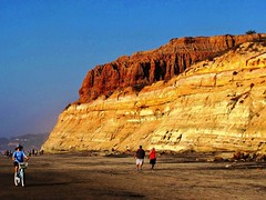 San Diego Coast Cliffs, A wonderful daytrip for beachlovers and families. (moonjazz) Tags: california park nature photography coast state sandiego pines torrey torreypinesstatepark