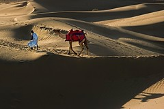 Desert twilight (Tati@) Tags: travel people india twilight sand dunes rajasthan thardesert mygearan