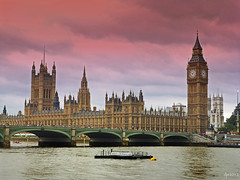 Westminster Bridge and The Houses of Parliament (Dave Snowdon (Wipeout Dave)) Tags: bridge building london history architecture capital housesofparliament riverthames urbanlandscapes westminsterbridge ukgovernment lumixdmctz6 wipeoutdave djs2012