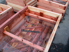 "Interlocked Corners Planter Box Interior • <a style=""font-size:0.8em;"" href=""https://www.flickr.com/photos/87478652@N08/8264856382/"" target=""_blank"">View on Flickr</a>"